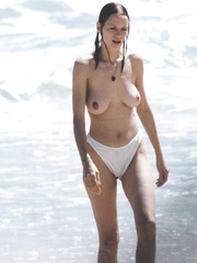Uma Thurman Topless On The Beach In St Barts 7 96 Celebs Roulette Tube